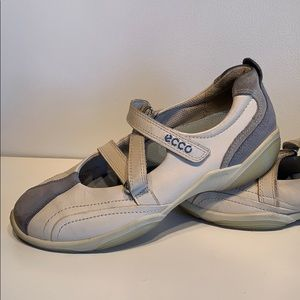 ECCO Mary Janes / Sneakers
